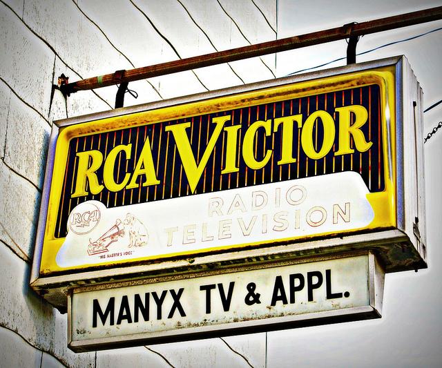 RCA Victor Invades Audubon Drive | Elvis – Echoes Of The Past
