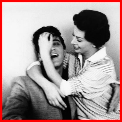 Elvis and Sophia 02 (february 1958, photo by Bob Willoughby)