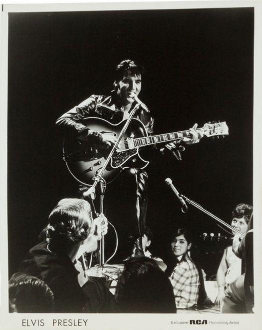 1969-07 International Hotel, Las Vegas Nevada Presents Elvis, August 1969 (Box Set) photo 2