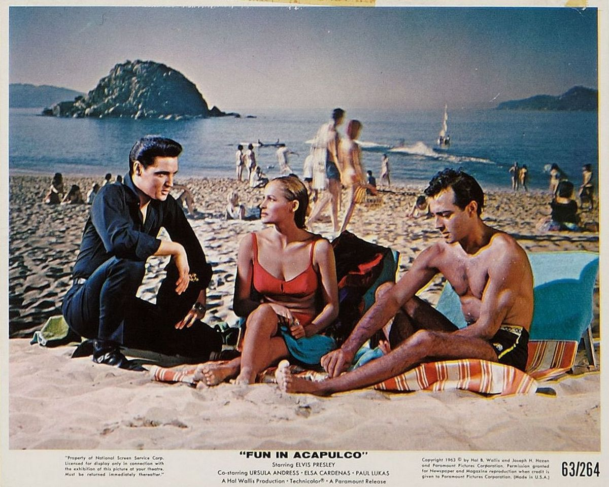 Fun In Acapulco - USA press still (63 color) 04