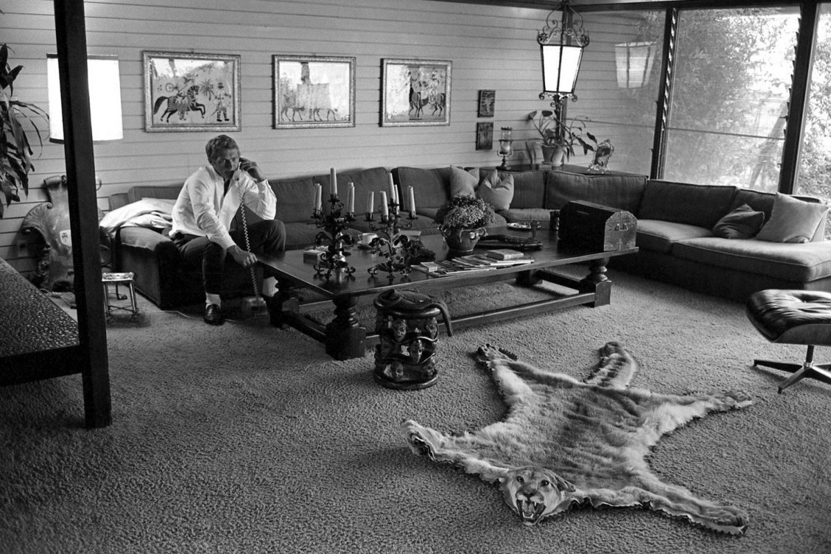 Steve McQueen - John Dominis (1963) at home 07