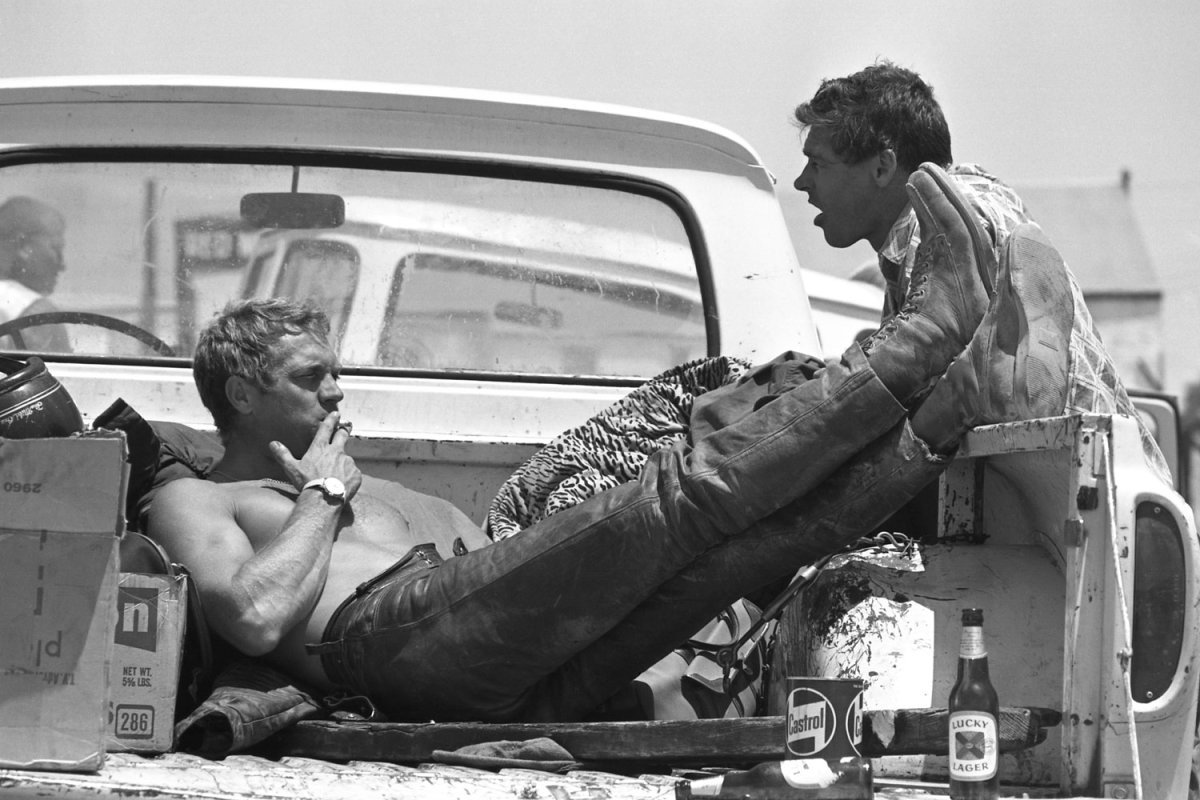 Steve McQueen - John Dominis (1963) motorcycle racing 01 (with Bud Ekins, his friend and stuntman for The Great Escape)