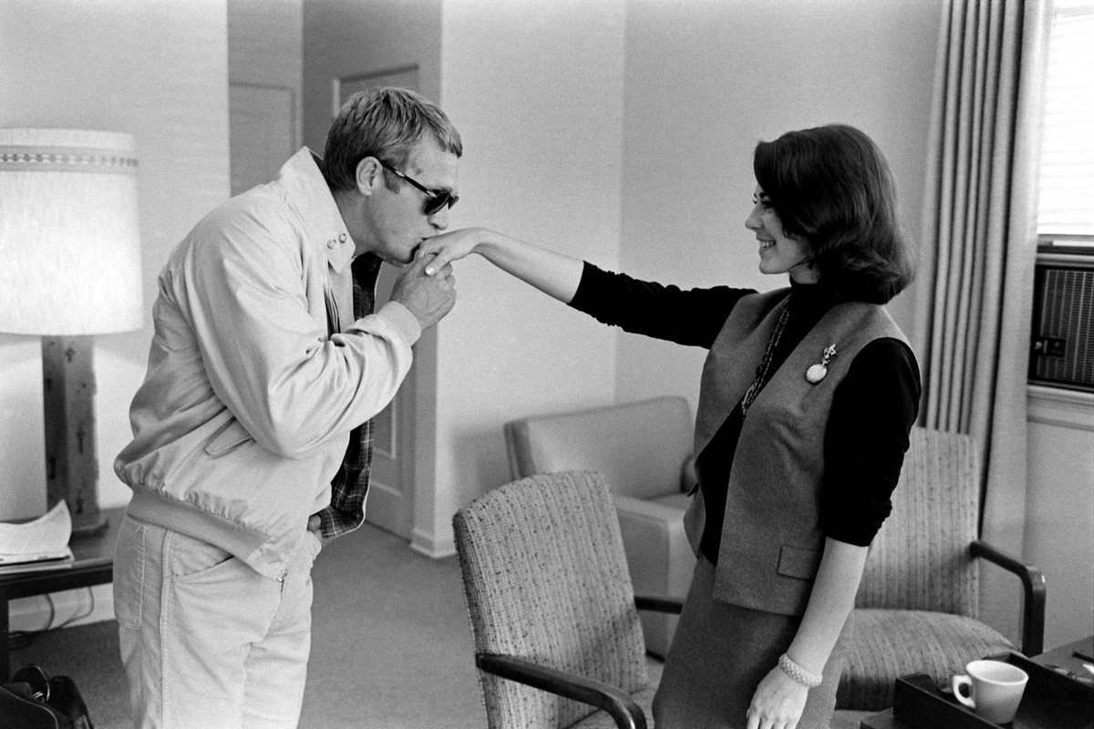 Steve McQueen - John Dominis (1963) with Natalie Wood 01
