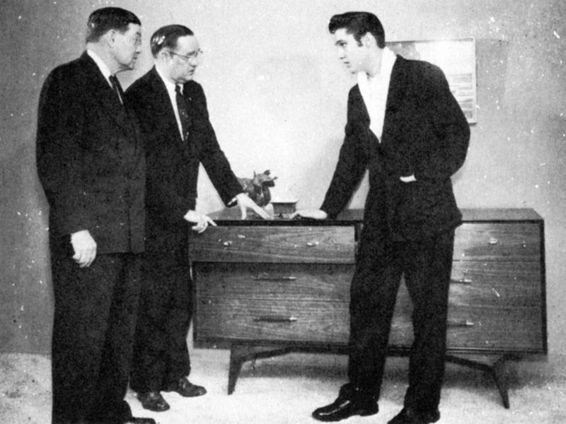 Elvis Hungerford shoot December 1956 (200) (Kari)
