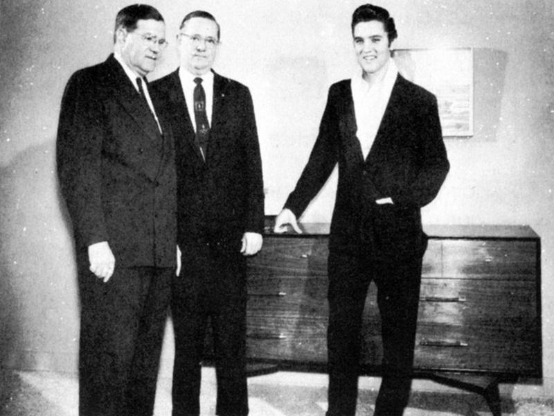 Elvis Hungerford shoot December 1956 (202) (Kari)