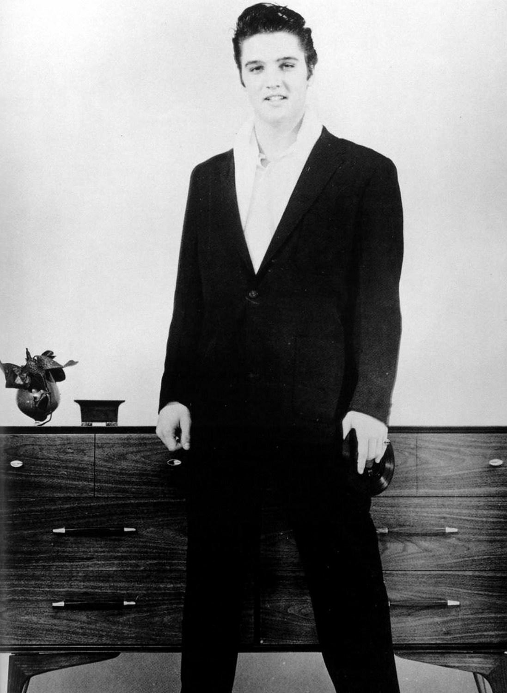 Elvis-Hungerford-shoot-December-1956-504