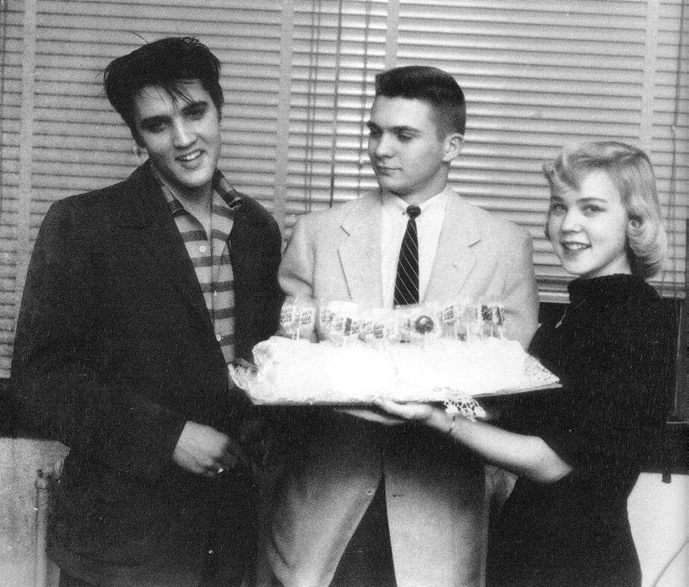 1957-01-10 Memphis 2