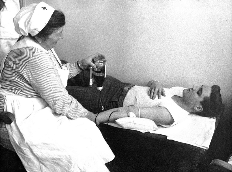 1959-01-19 Red Cross 1