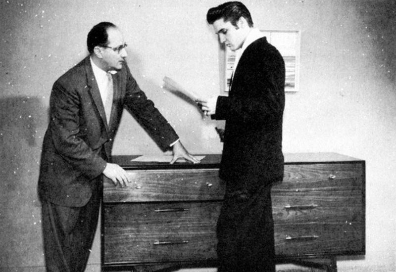 Elvis Hungerford shoot December 1956 (301)