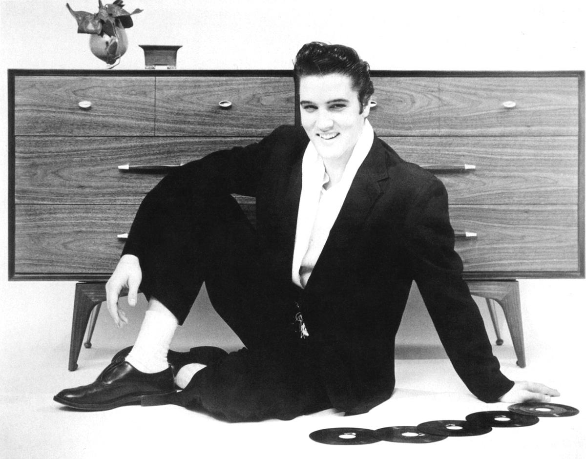 Elvis Hungerford shoot December 1956 (502) (Kari)