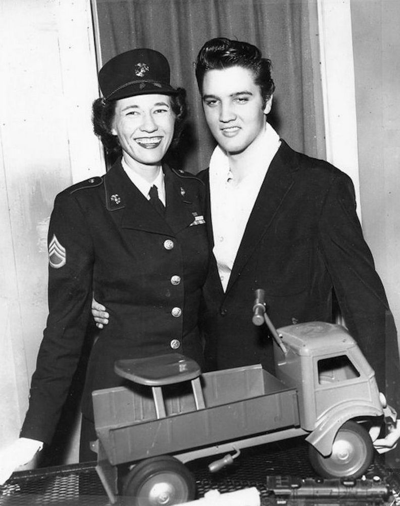 Elvis  with Staff Sergeant Ruby Maxwell (December 16, 1956) 01