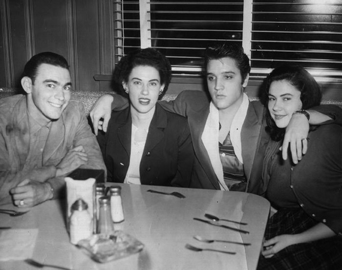 Elvis withThe Browns (Jim Ed, Maxine, Bonnie) in Pine Bluff, AR (December 14, 1956)