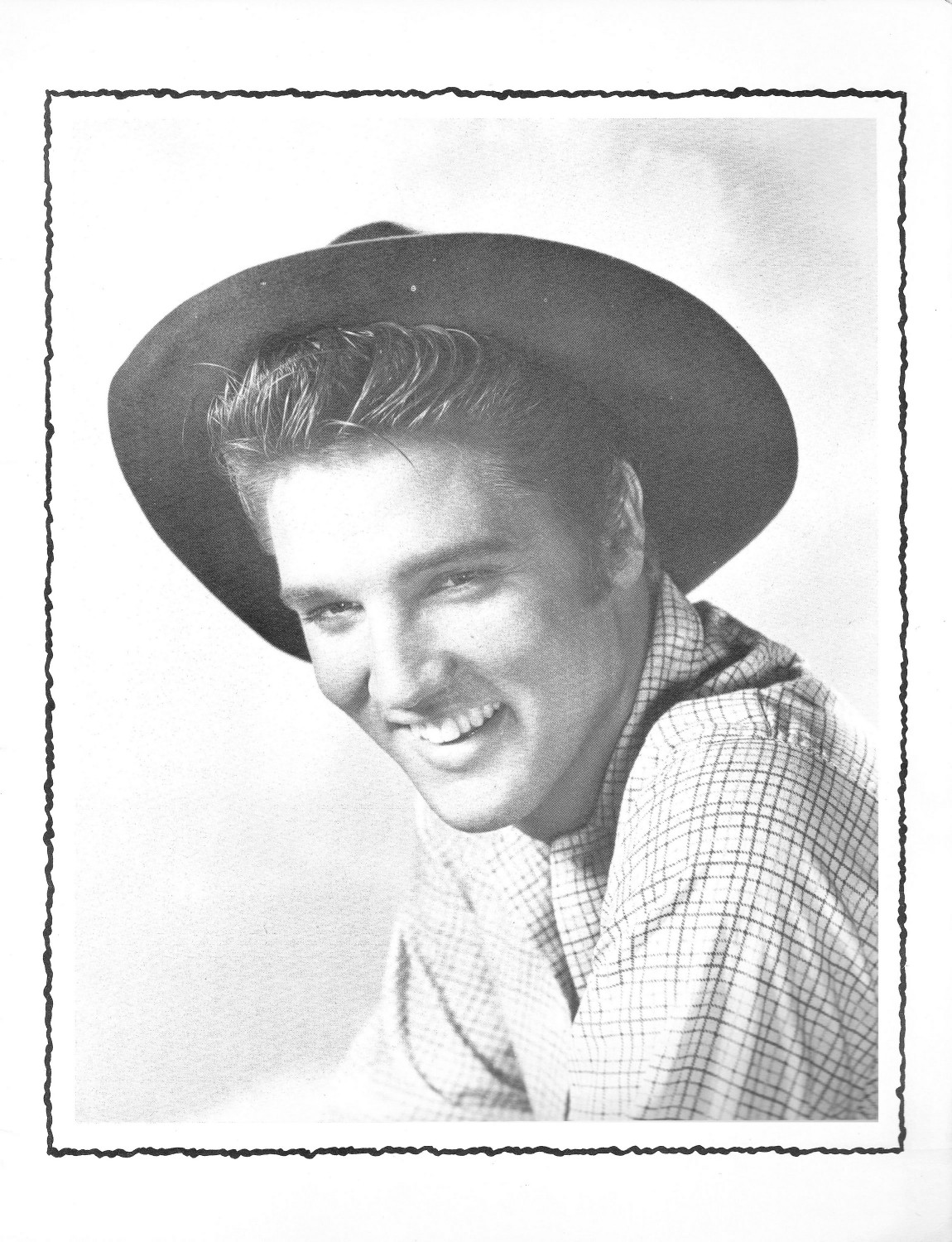 Elvis Presley Souvenir Photo Album (Juan Luis) 03