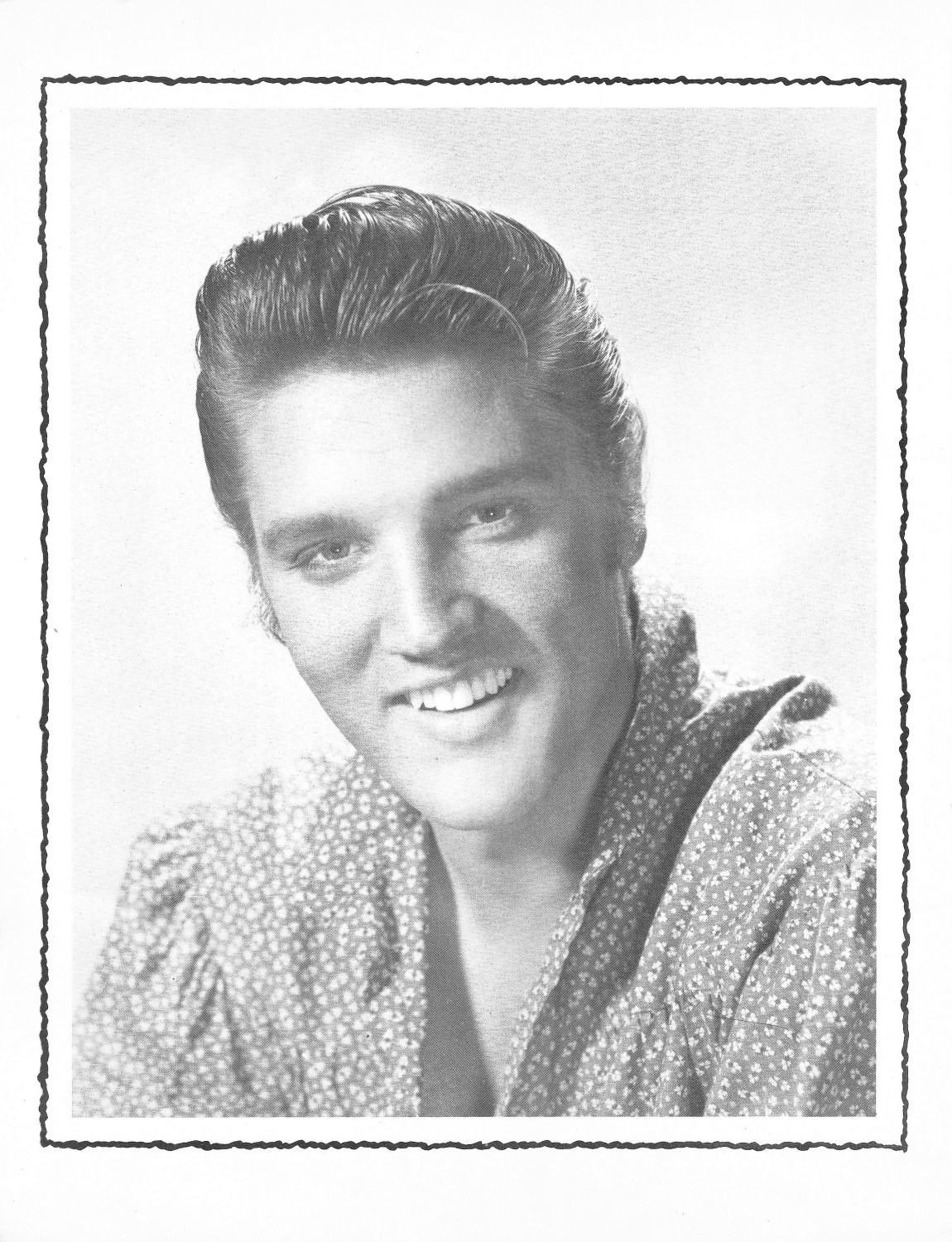 Elvis Presley Souvenir Photo Album (Juan Luis) 14