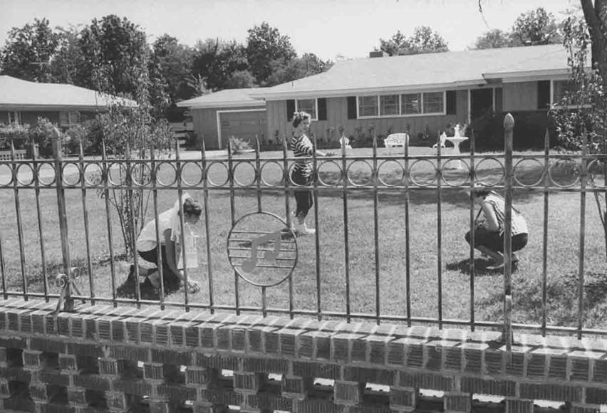 Elvis front yard Audubon Drive 1956.