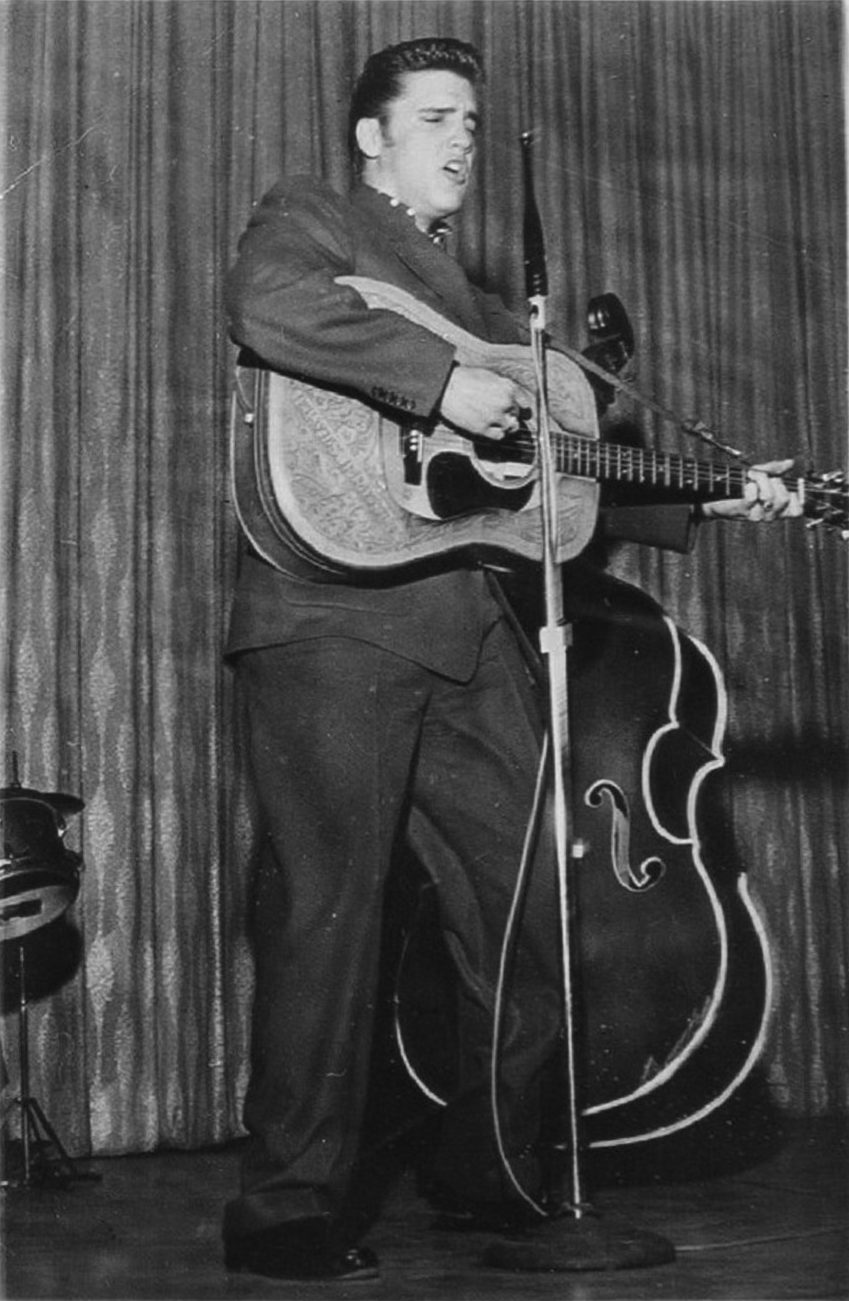 Elvis Las Vegas 1956. New Frontier Hotel April-May 1956